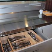 Het afstellen en indelen van een keuken op de juiste wijze vergroot het gebruiksplezier